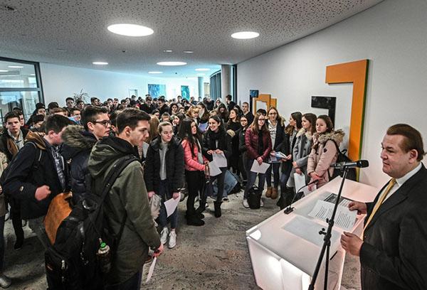 Volksbank Kleverland führte 140 Schüler mit zehn Arbeitgebern zusammen