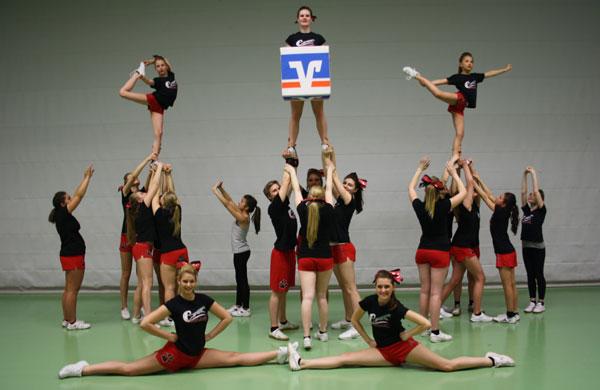 "Cheerleading-Abteilung des Footballvereins ""Cleve Conquerors"""